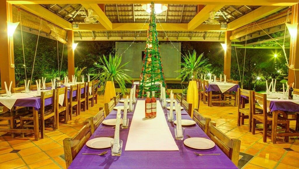 dining in pailin