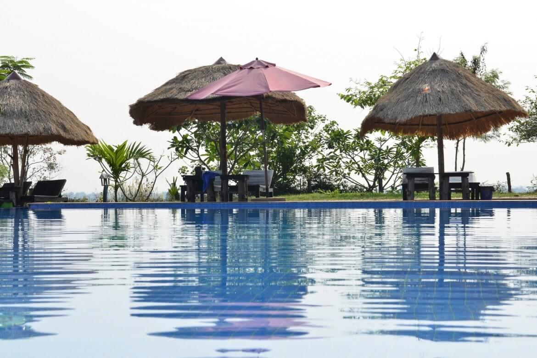 swimming-pool-at-pailin